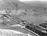U.S. Bureau of Reclamation, Base of the dam in 1938, Construction of the Grand Coulee Dam.