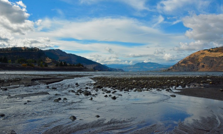 Photo of Columbia River from Mosier, by Liv Smith
