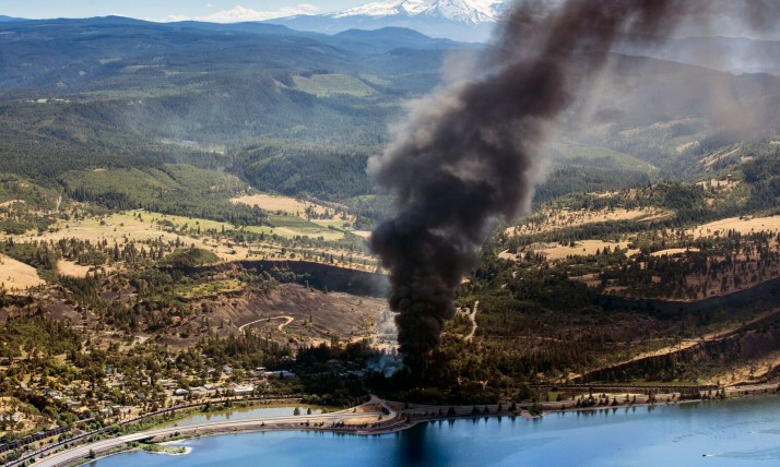 Mosier oil train fire, photo by Paloma Ayala