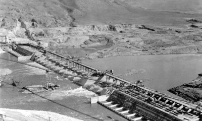 , Base of the dam in 1938, Construction of the Grand Coulee Dam.